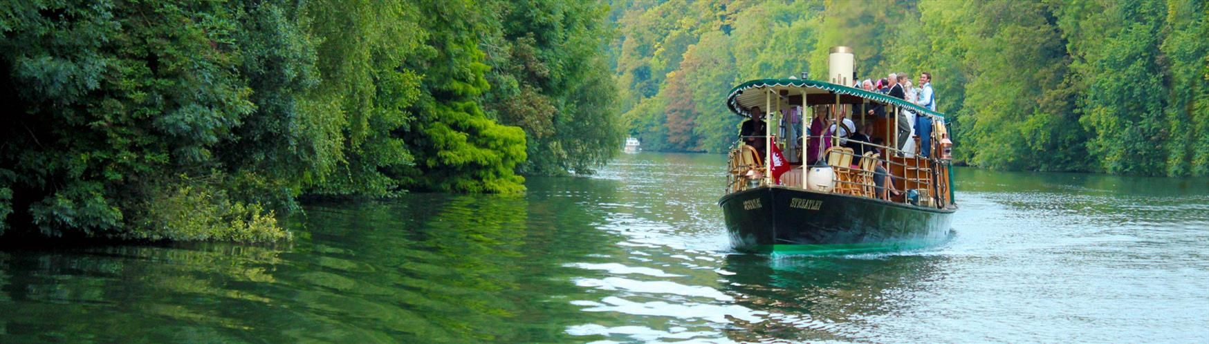 Unwind on a relaxing boat trip down the River Thames