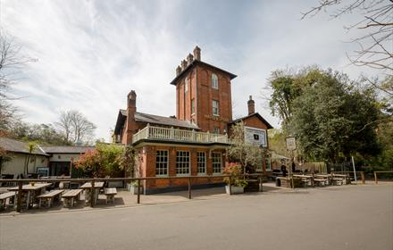 Hand & Spear, Weybridge