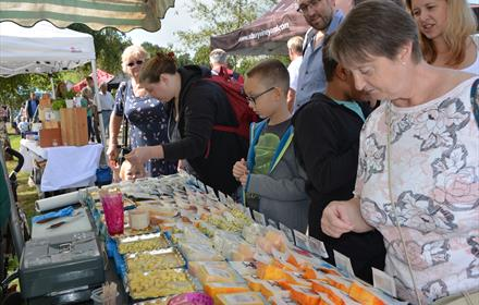 Crowds enjoy tasty treats - Local Food Britain Countryside Food & Drink Festival